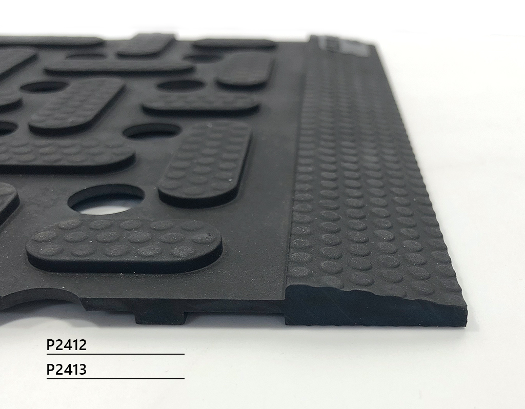Hygienic mat with drainage and anti-bacterial additive