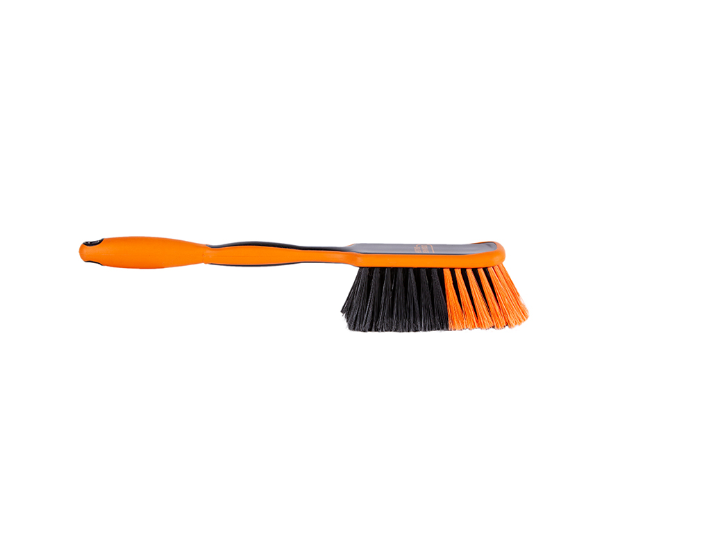 Recycled long utility brush