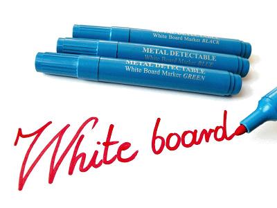 Ar metāla detektoru uztverami marķieri baltajām tāfelēm